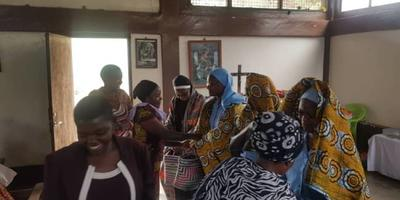 Farewell to sisters at Kalimani